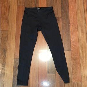 Almost brand new women black leggings